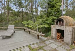 Pizza oven delight - The River House Gipsy Point - Good House Holiday Rentals