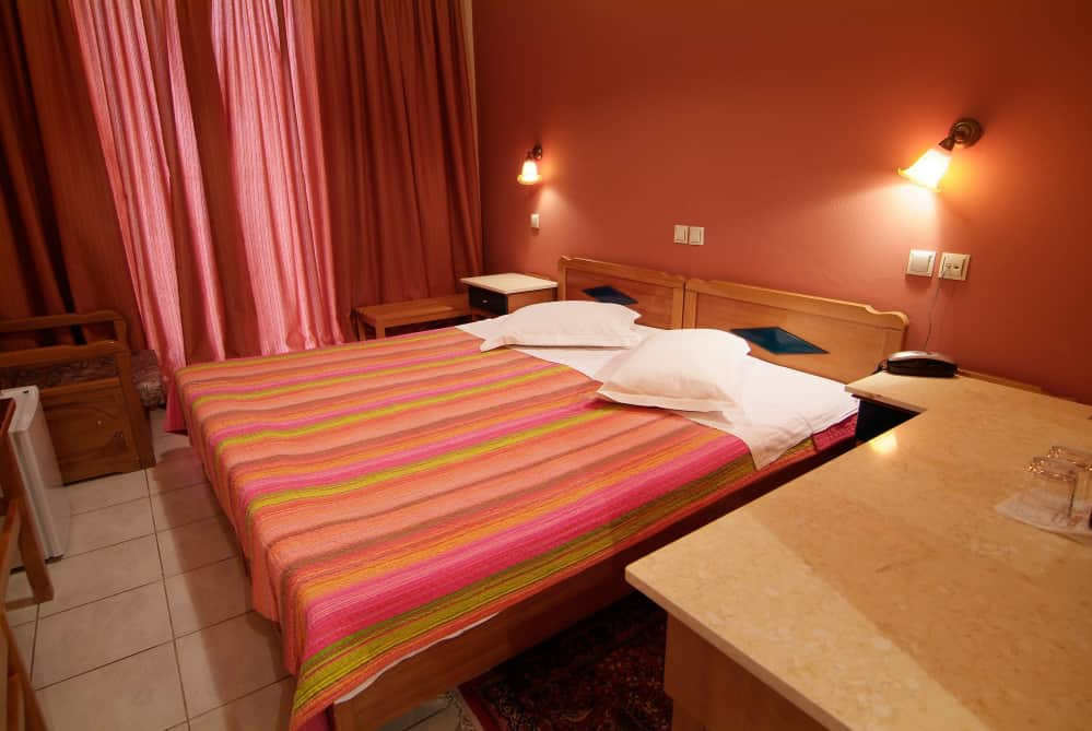 hotel-varonos-delphi-single-room