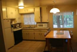 cabin 4 dining room and fully functional kitchen - Copy