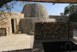 Le Greche - Petrea - kitchen entrance from the outdoor kitchen area - Torre Vado - Salento