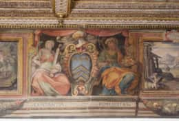 23-costaguti-living-room-fresco-detail