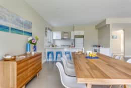 The Sandcastle - Pretty Dining Area - Good House Holiday Rentals
