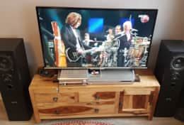 43 inch smart TV with Youtube and Netflix Channel, DVD and quality Bass Reflex Hifi System