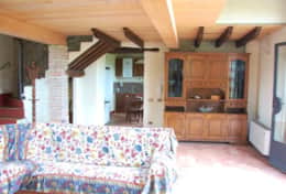 The extra cottage at Villa Badia, kitchen and living room