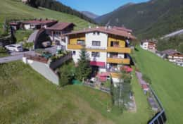 Hintertux-Sommer-Familie-Fernerblick-Apartments-15