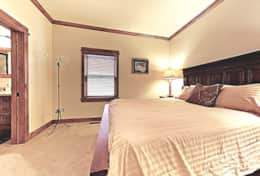 queen bedroom on main level with jack and jill bath