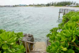 Bahamas-Vacation-Rental-Sea Steps