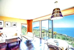 bedroom-1-luxury-villa-in-amalfi-coast-italia-with-seimming-pool-and-sea-view