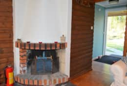 K45 Mackenzie Cottage - Open Fireplace