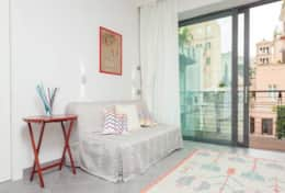 Apartment near Colosseum - Living room with balcony, air-cond and wi fi