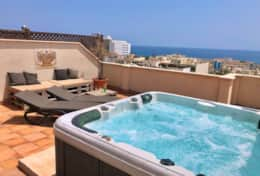 Private Roof Terrace with  Fantastic Views and Jacuzzi