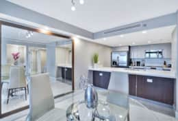 Dining area, fully equipped kitchen