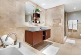 Master bathroom, jacuzzi tub, separate shower