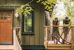 The Nest Treehouse- Asheville Glamping