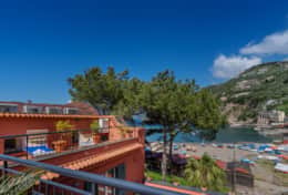 Lovely 2 bedroom beach apartment on Sorrento Coast
