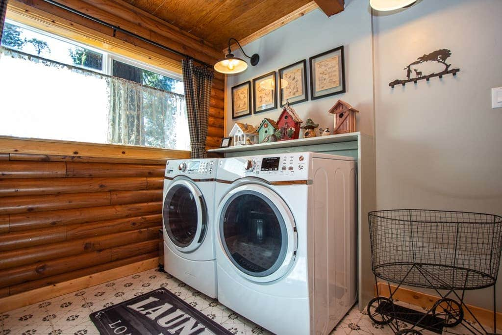 Full laundry for those longer stays and room to store any gear you may have for your adventures.