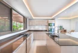 stbarth-villa-shell-beach-kitchen-b