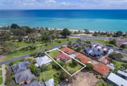 Step out to your beach paradise in Dromana.