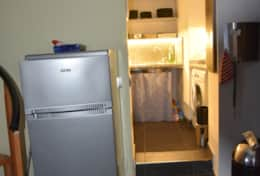 Ground floor: kitchen with fridge / freezer
