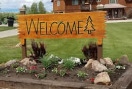welcome sign (2)