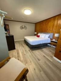 1 Bedroom King Suite 112