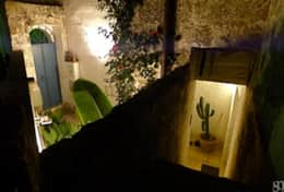 Azzurra - night time - detail of courtyard - Depressa di Tricase - Salento