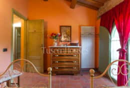 La-CascinaTuscanhouses-Vacation-Rental (40)