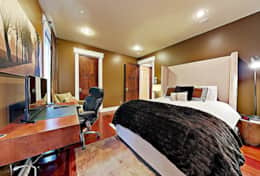 Queen bedroom with desk, HD TV