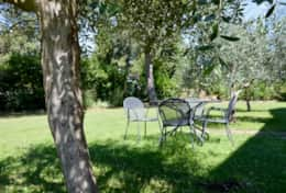 Mangiatoia, private terrace in the garden