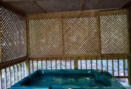 Cabin 4 - Hot Tub