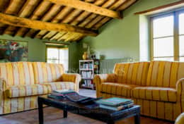 Casale Lavica-Holiday-Rentals-in-Umbria-whit-Private-pool