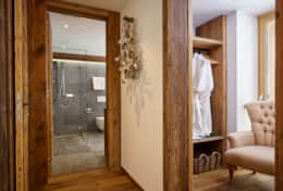 Annapurna - Saas Fee - Bedroom 2 - Wardrobe and Bathroom