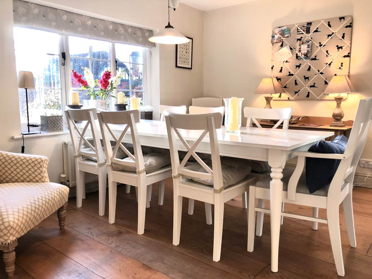 Dining table to comfortably sit 8