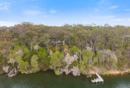 Private and secluded - The River House Gipsy Point - Good House Holiday Rentals