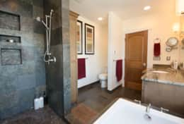 Luxury-Hood-Canal-Vacation-Rental-hood-canal-resort-master-bathroom-beach-rental-alderbrook