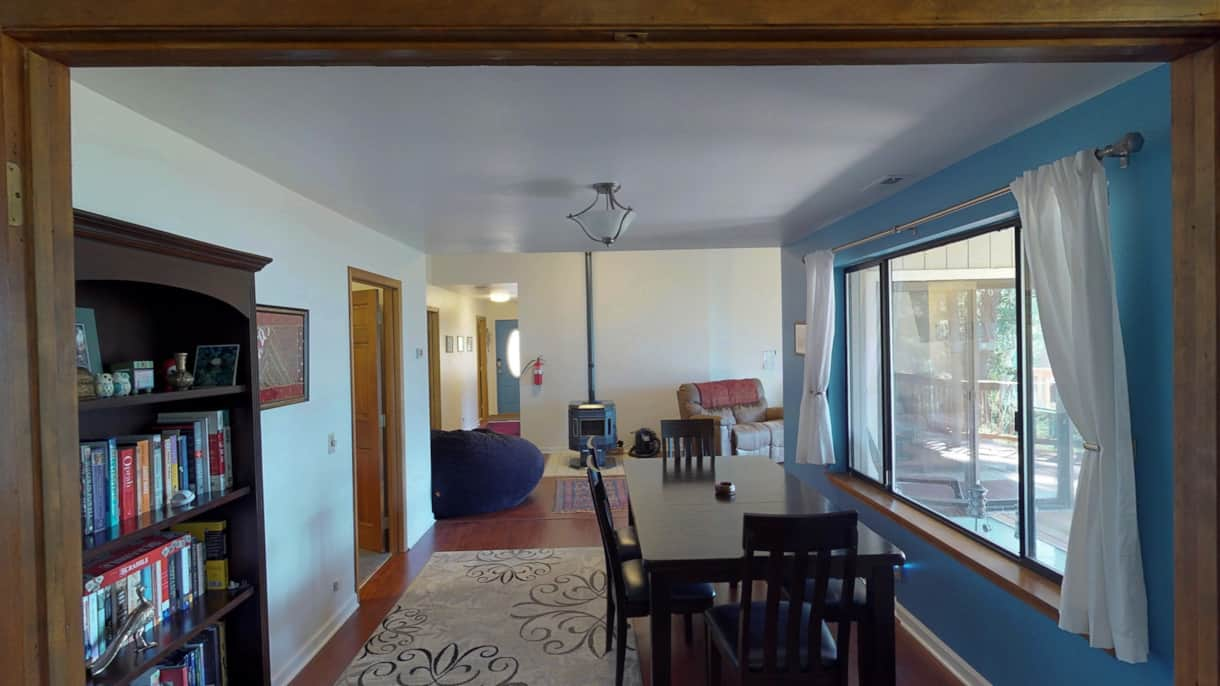 The Lakeview Retreat Dining Room - Leavenworth, WA (2)
