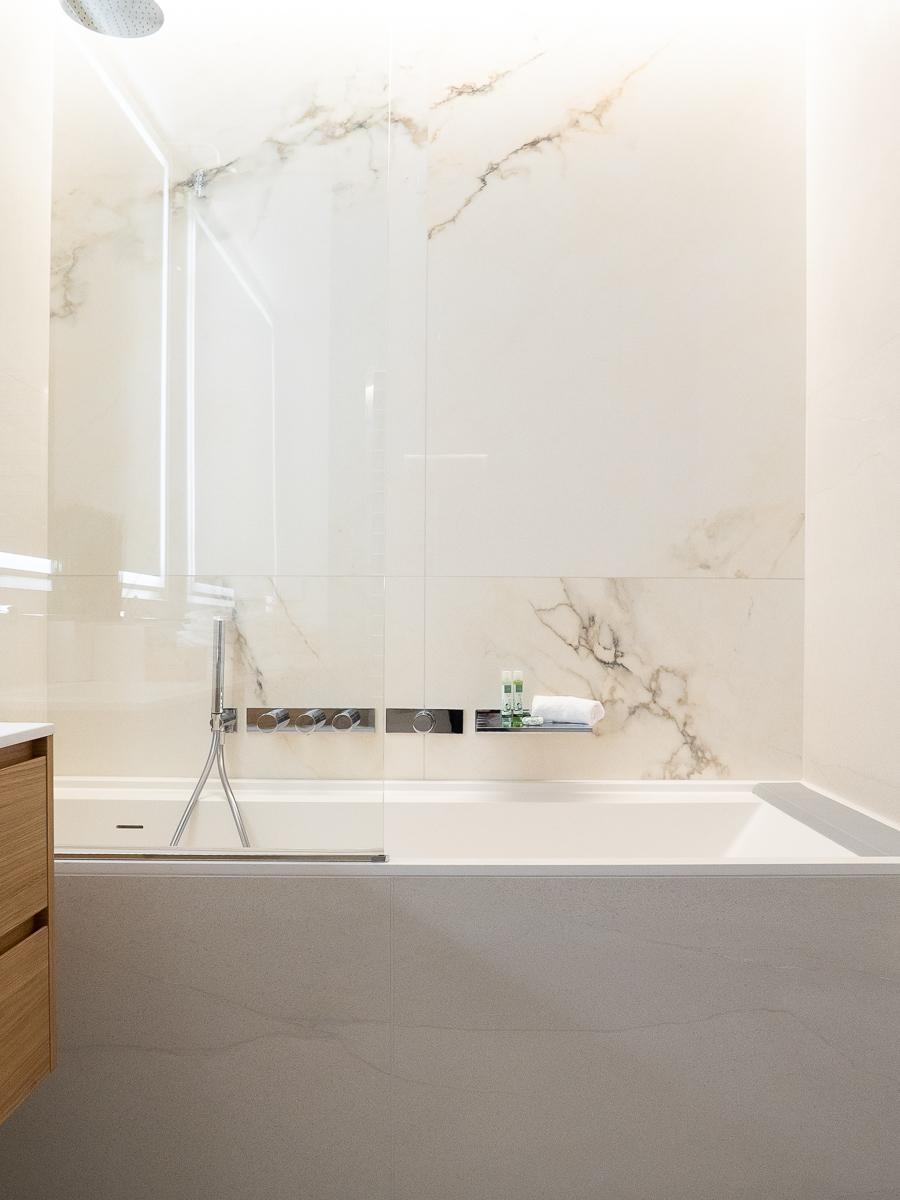 The-Klive-Riga-Blue-Planet-Suite-Bathroom