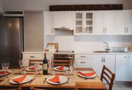 Fully equipped kitchen with all appliances incl. microwave, coffee machine, toaster