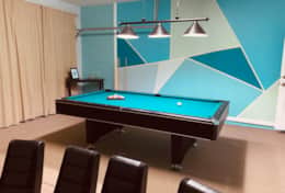Pool table in Wishes and Dreams Villa game room