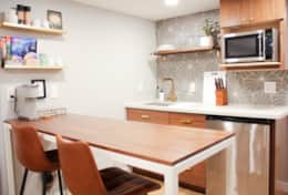 Table for 2 and Kitchenette (mini refrigerator, microwave and coffee maker)