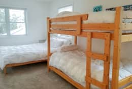 Loft single bunks and queen bed