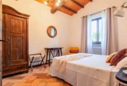Villa La Ginestra, first floor double bedroom