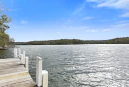 Stunning river location - The River House Gipsy Point - Good House Holiday Rentals