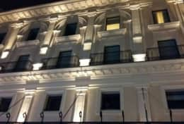 Apartment near Colosseum - Building by night