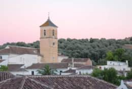 Church and village of Pinos del Valle.