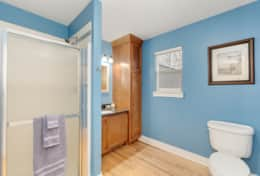 Spacious main floor bathroom