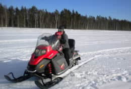 K45 Mackenzie Cottage - We can get your adrenalin going by arranging a snowmobile safari