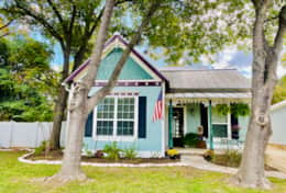 Pecan Cottage front of house