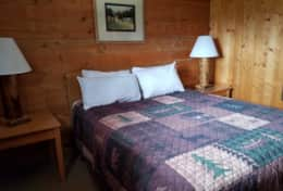 cabin 6 bedroom