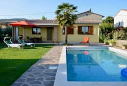 Trasimeno Bungalow with private garden and pool